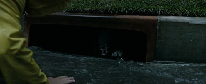 Pennywise-in-the-sewer-700x288